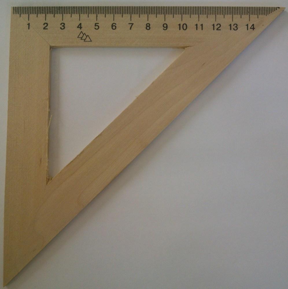 Треугольник деревянный 16см 45*45