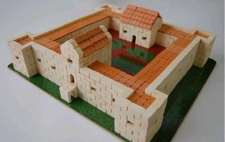 Игрушка-конструктор из керамических кирпичиков Збараж, серия Страна замков и крепостей